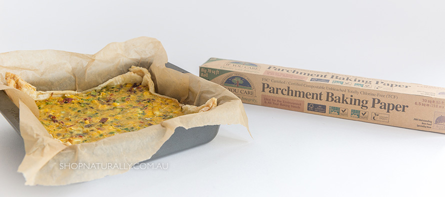 The difference between parchment paper and wax paper in the kitchen